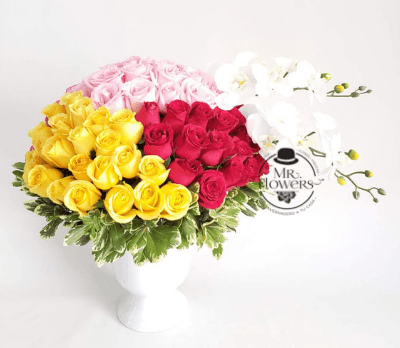 Arreglo Floral con 100 Rosas y Orquídea